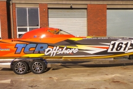 TCR Offshore Rcing Boat